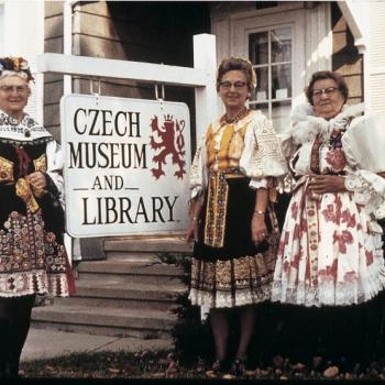 NCSML three ladies in kroje