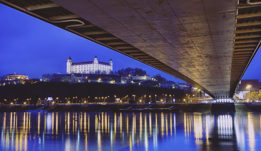 Bratislava_Danube_Castle