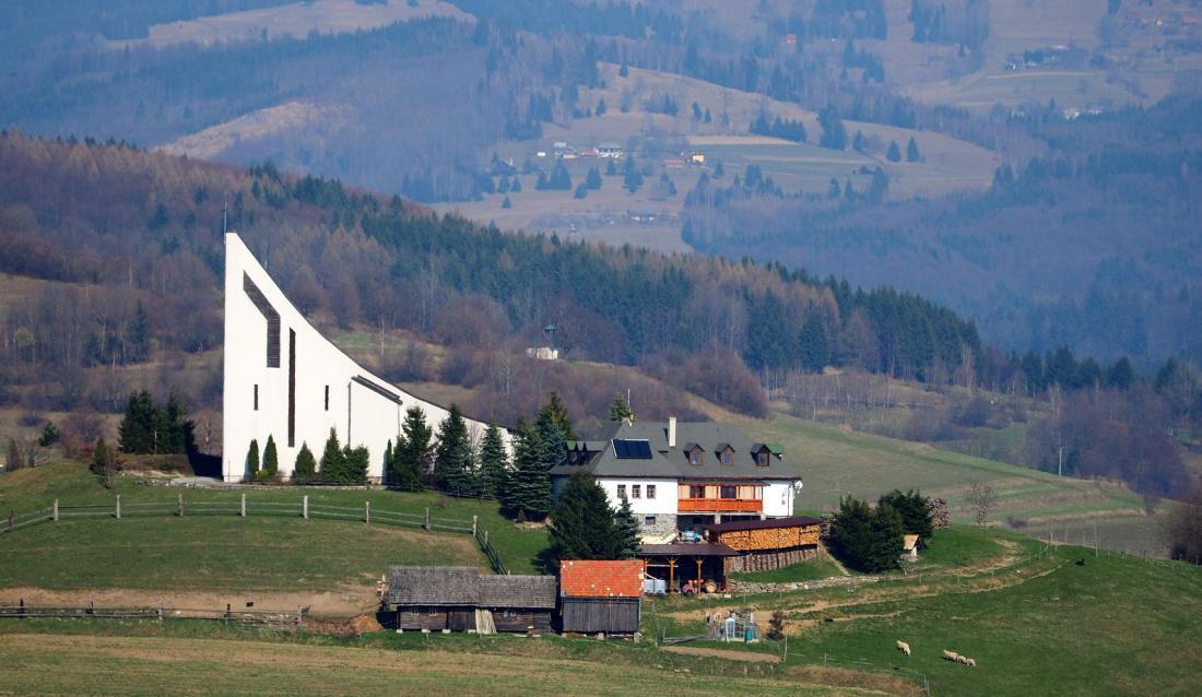 Slovakia Podpoľanie church_2