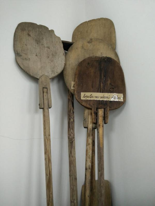 bread shovel from the Podbrdské muzeum